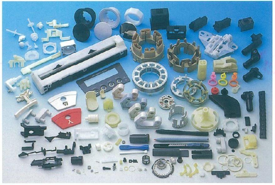 中・小サイズの部品を中心に精密部品・インサート成形も対応致します